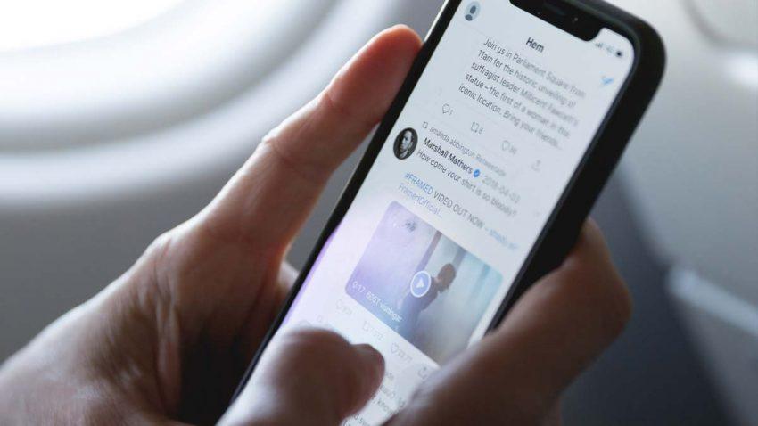 Twitter podría permitir esconder debajo de la alfombra esos tuits antiguos que nos avergüenzan