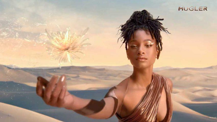 Willow Smith se convierte en una diosa en la nueva campaña de Mugler Fragance