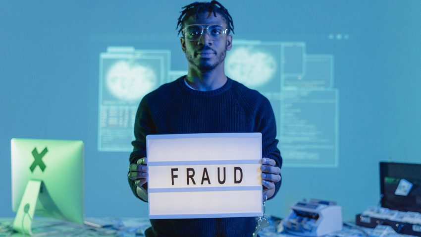 El fraude publicitario se agarra como una garrapata (de dimensiones colosales) a las Smart TVs