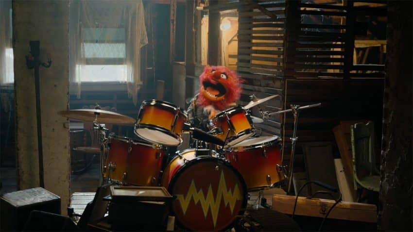 El teleñeco más rockero (y ruidoso) martillea tus tímpanos en este spot de Geico