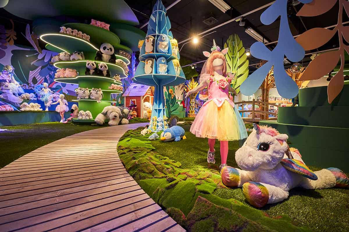 Showroom de juguetes de El Corte Inglés en el taller de la marca en Tomas de Bretón (Madrid)